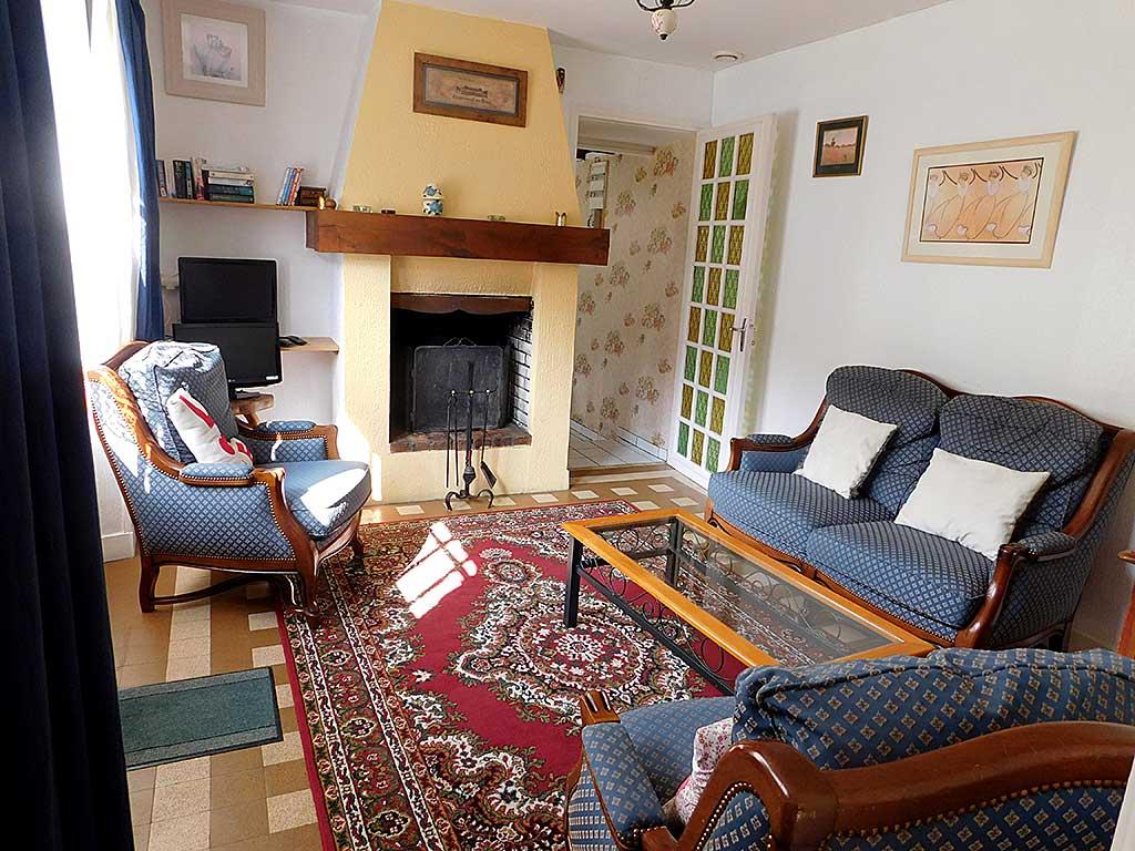 Normandy holiday cottage Gite du Parc - sitting room
