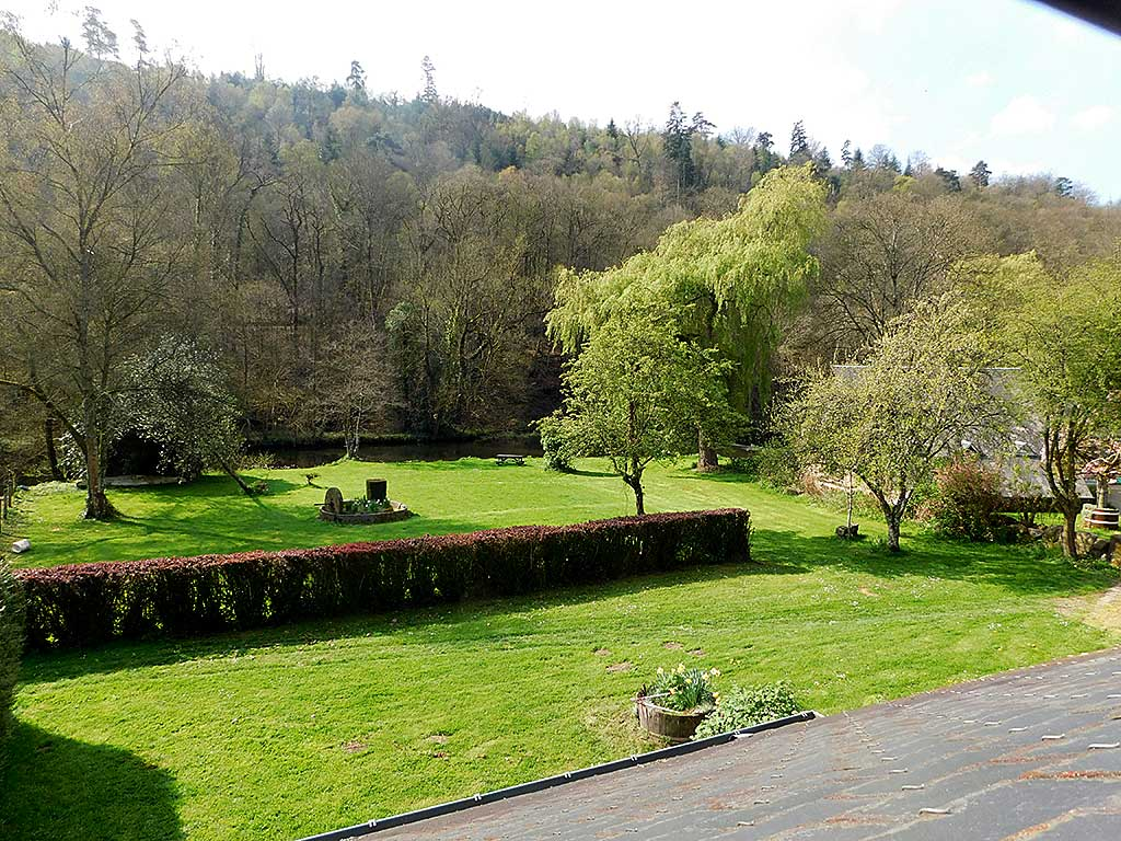 Normandy holiday cottage Gite du Parc - view of Vire river from holiday cottage