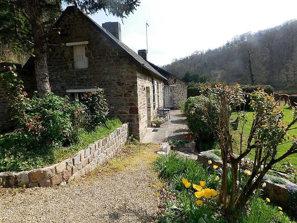 Normandy holiday cottage Gite du Parc - view of cottage | Normandie Calvados gite location vacances - l'exterieure