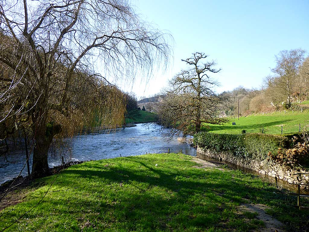 Gite D'Ile, Normandy Calvados holiday cottage river view