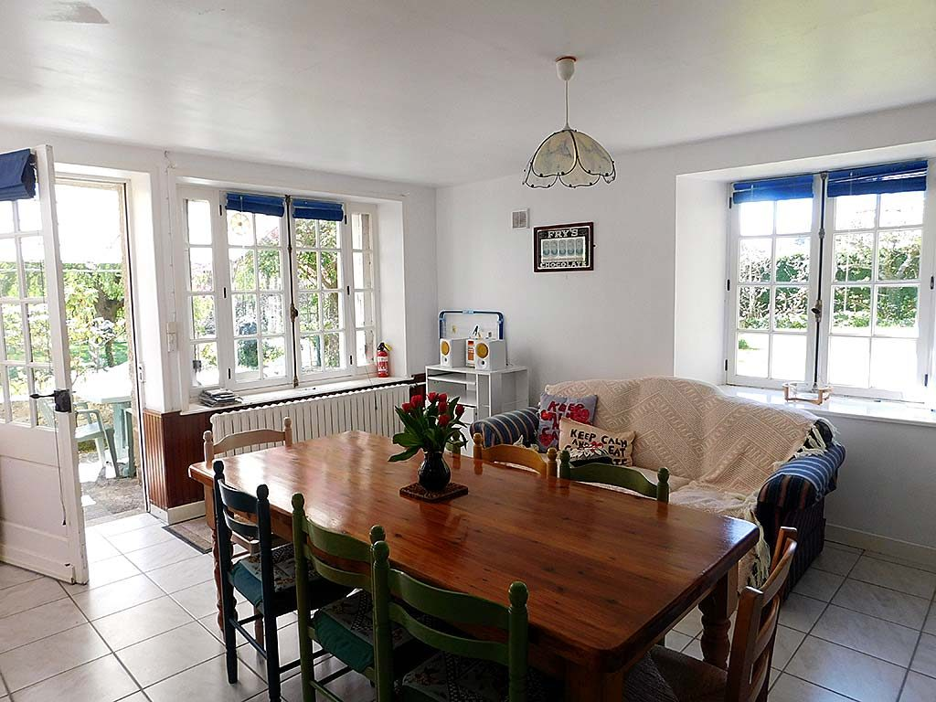 Self catering holiday cottages in Normandy Calvados Vire | gite du cadre solaire kitchen